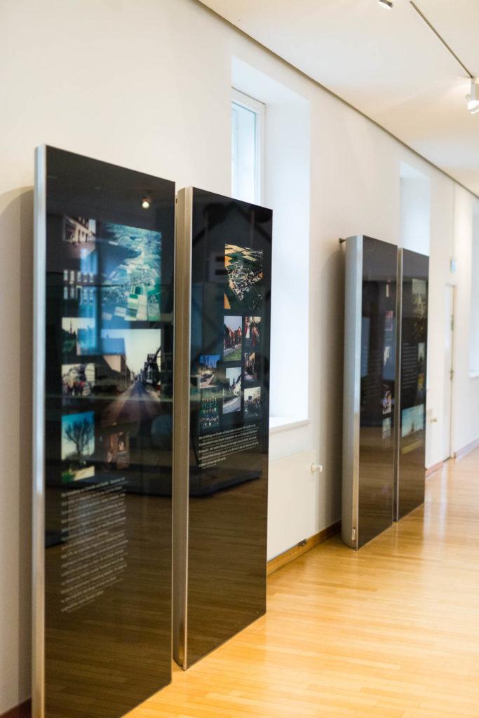 Drei Grazien, Acryl auf Pappe, 70 x 100 cm